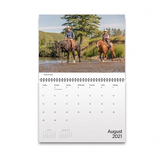 August 2021 Calendar Image